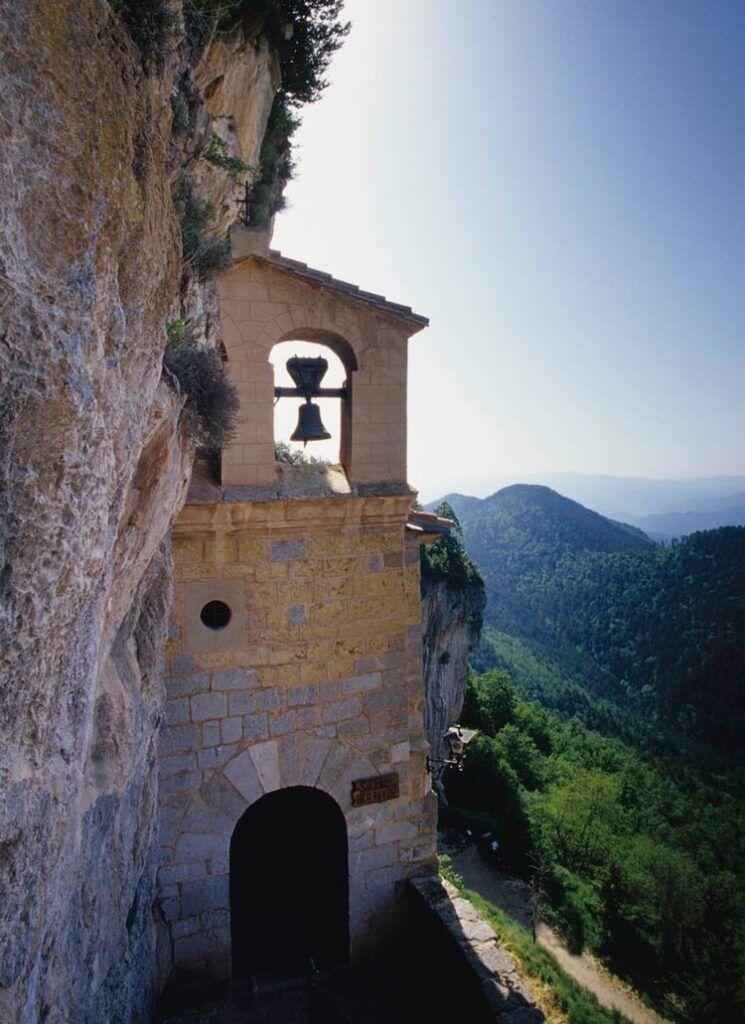 Santuario de Montgrony uno de los lugares secretos de Cataluña
