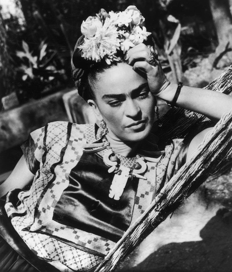retrato Frida pensativa