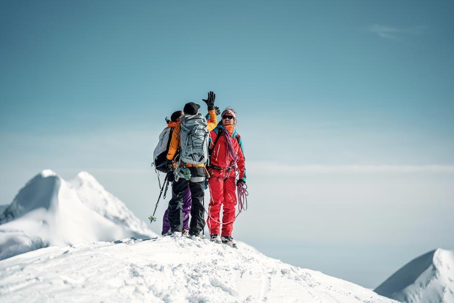 mujeres escaladoras en suiza