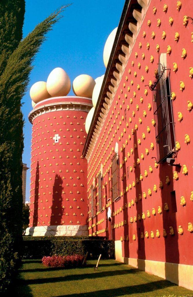 torre galatea visita imprescindible triangulo daliniano
