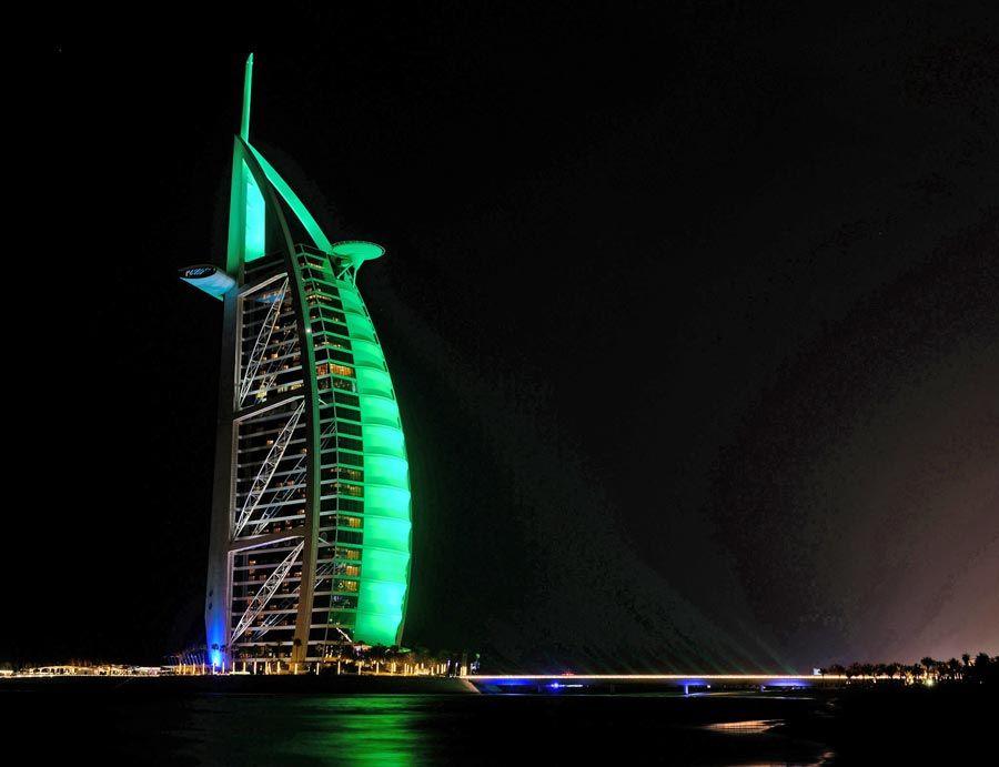 Burj Al Arab de Dubai en san patricio