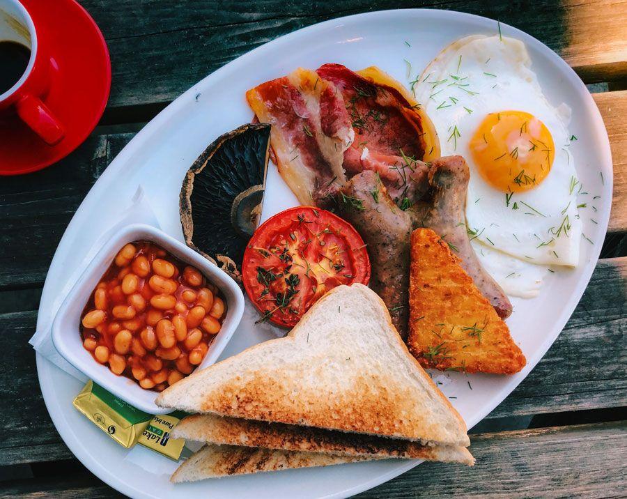 desayuno uno de los platos britanicos tradicionales