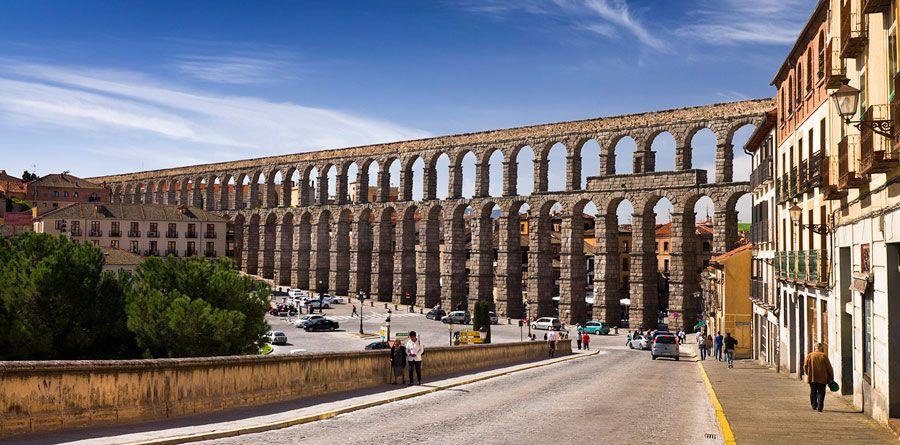 panoramica del acueducto romano de segovia