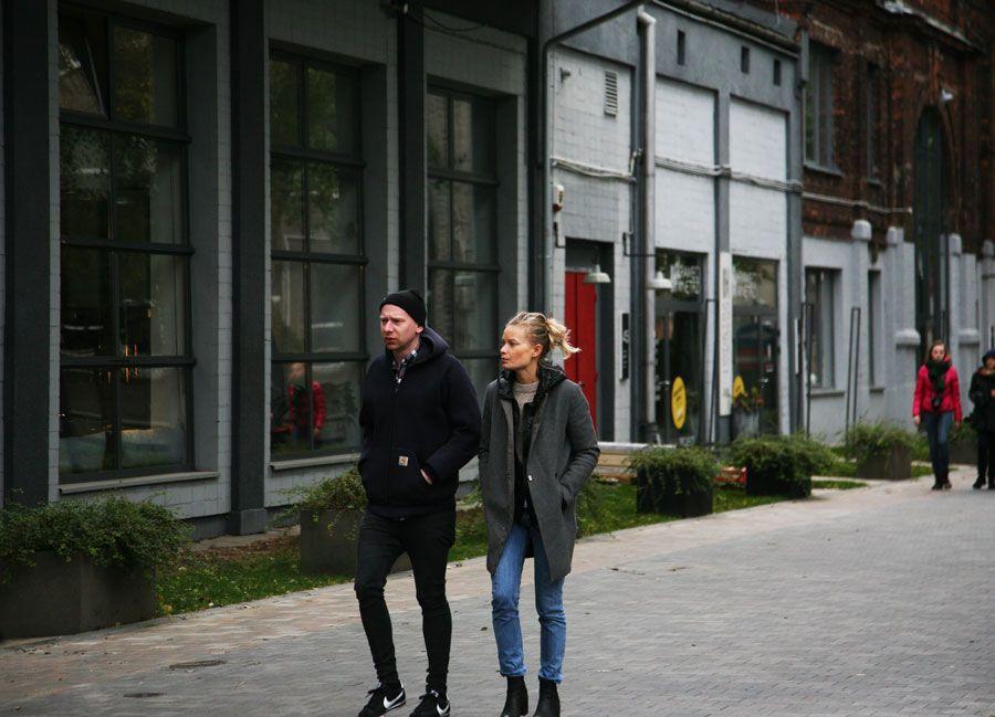juventud en barrio de Praga en Varsovia