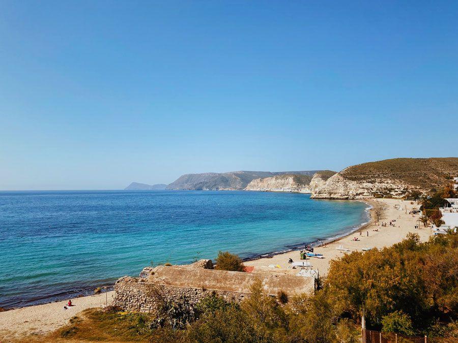 playas de agua amarga en Almeria