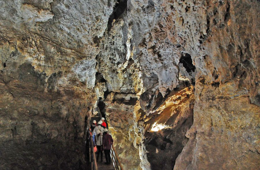 cueva del yeso de baena