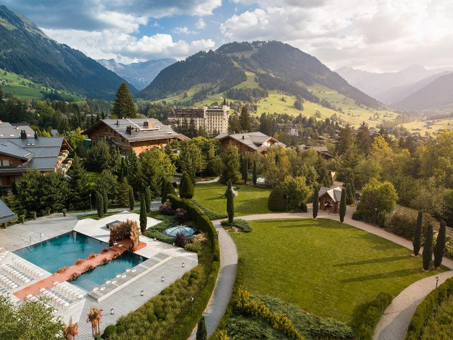 hotel the alpina gstaad suiza