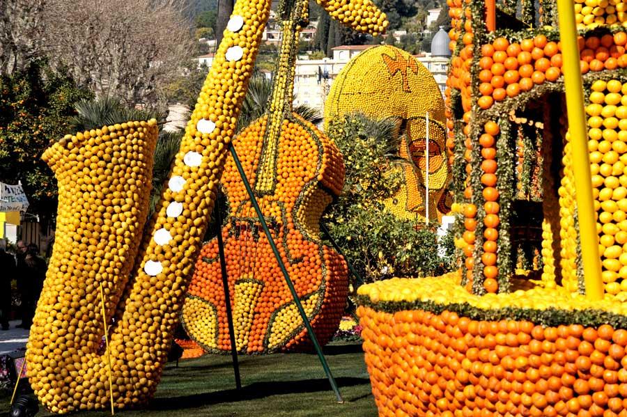 Esculturas con limones en Menton