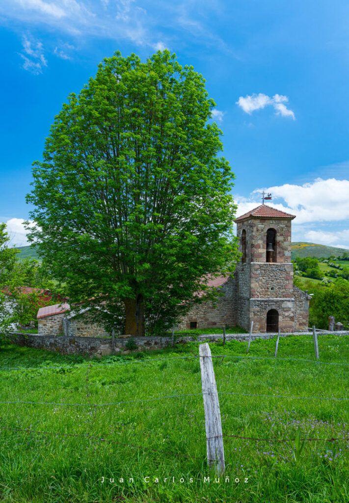 iglesia de Santa María la Mayor en Villacantid valdeolea