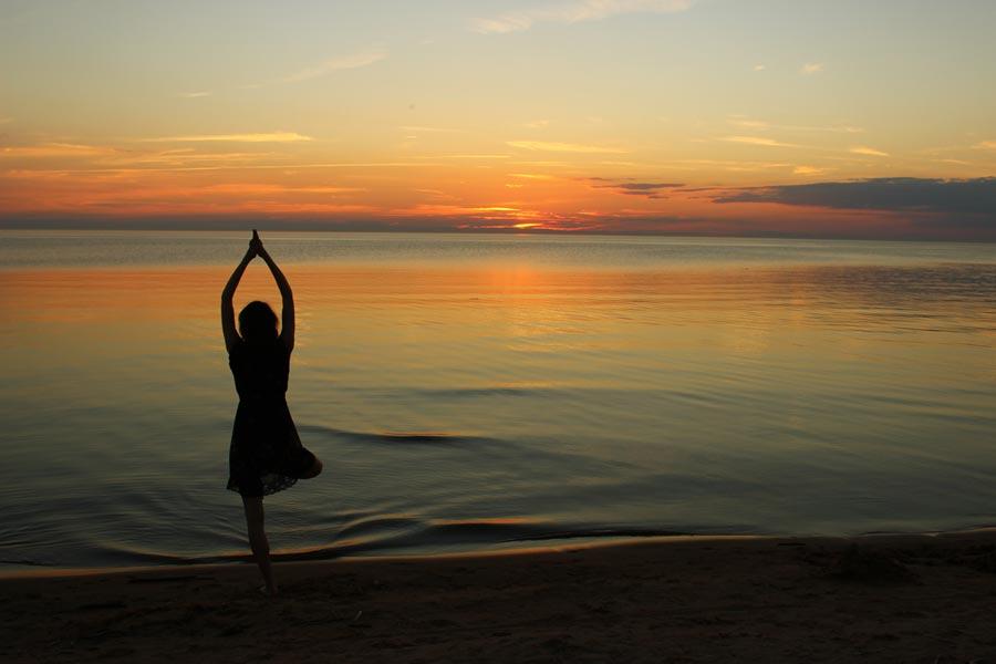 yoga en la playa Conil