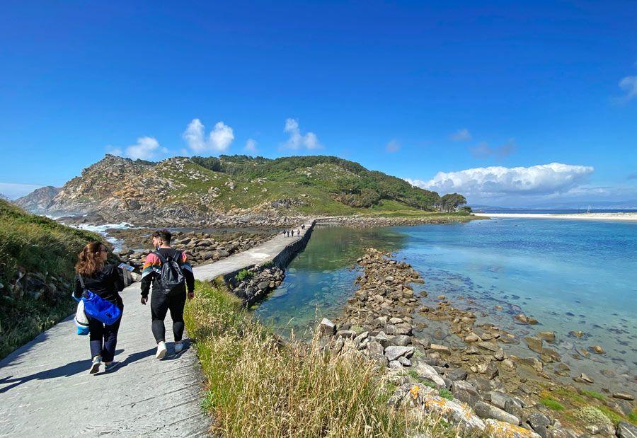 camino del camping en las islas cies