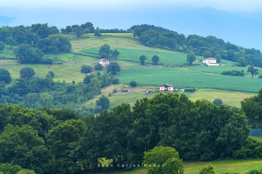 caserios valle de karrantza