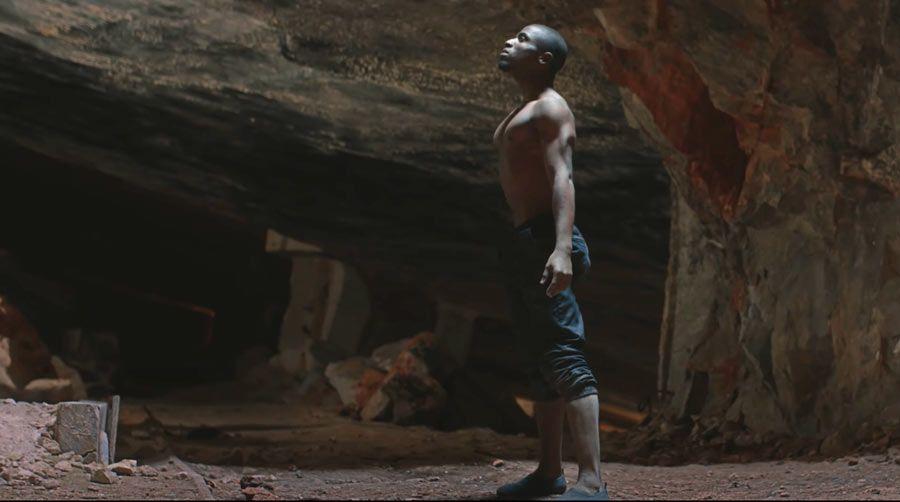 Fotograma del videoclip de Conchita.