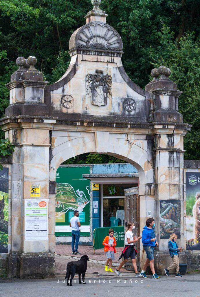 karpin fauna zoo en palacio indianos