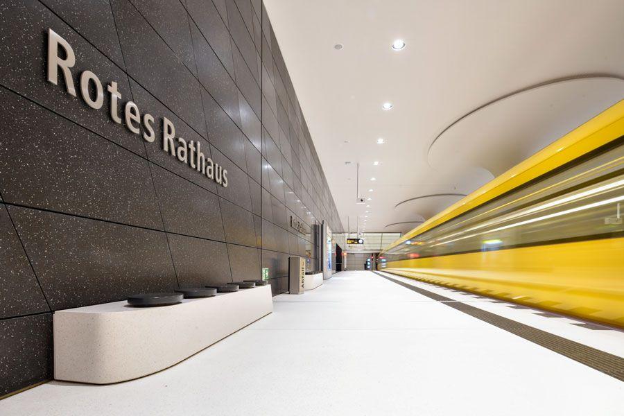 Nueva estación Rotes Rathaus de la línea U5.