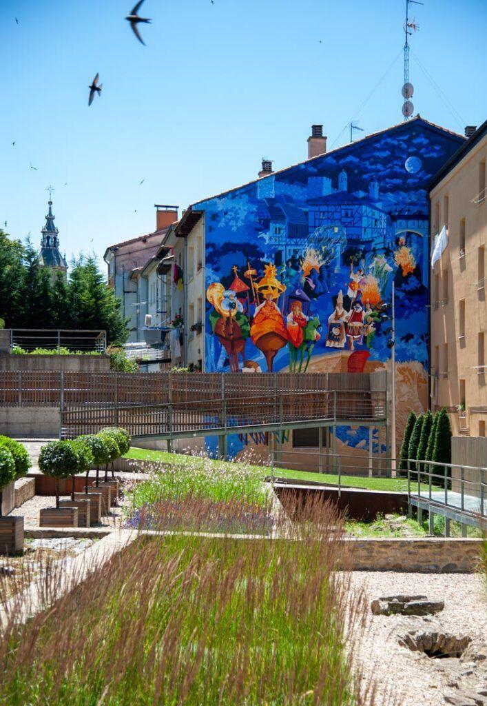 jardin muralla vitoria