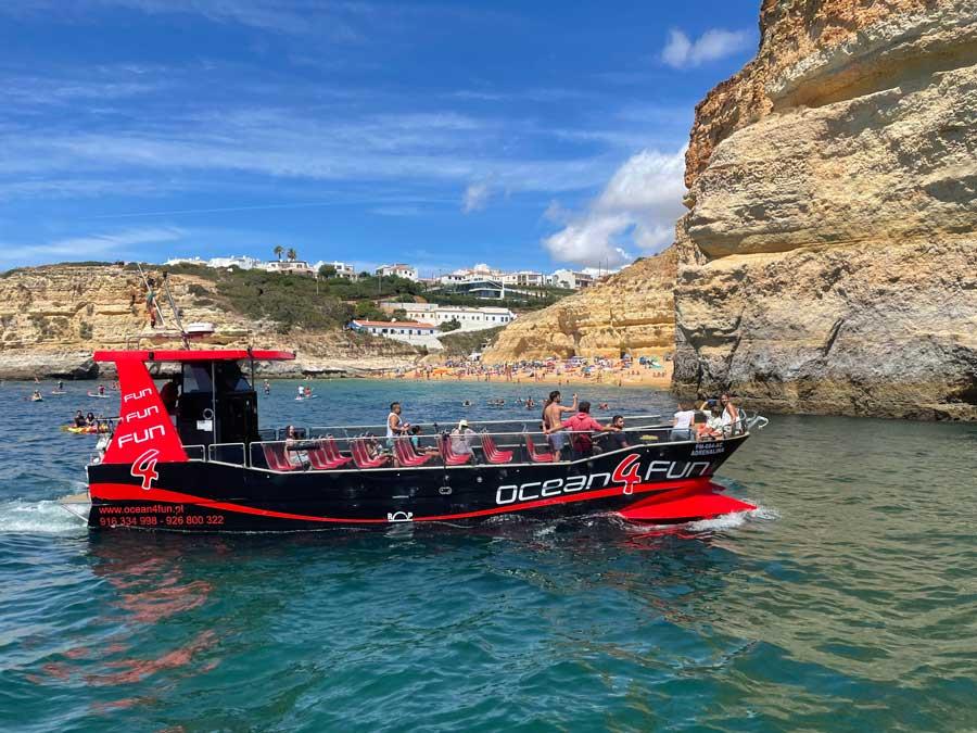 Excursión en barco por la costa del Algarve.